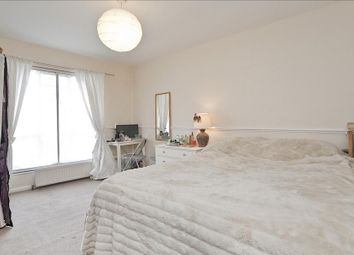 Thumbnail 1 bed flat to rent in Junction Road, Tufnell Park, London