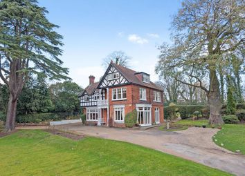 Thumbnail 6 bed property to rent in Woburn Hill, Addlestone