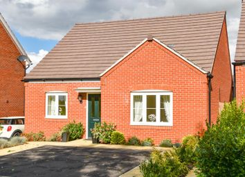 3 bed bungalow for sale in Mucklow Close, Radford Semele, Leamington Spa CV31