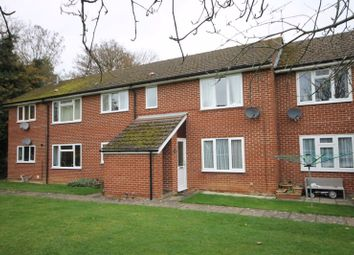 Thumbnail 2 bed flat for sale in Honor Close, Kidlington