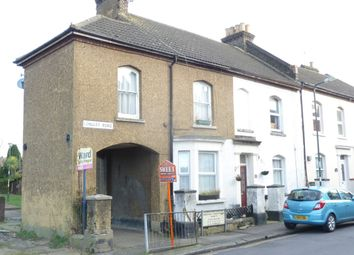 Thumbnail 2 bed flat to rent in Longley Road, Rochester