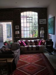 Thumbnail 3 bed flat to rent in Sternhall Ln, London