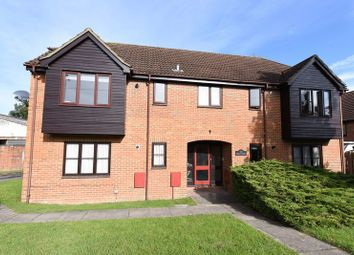 Thumbnail 1 bed flat for sale in Fairlawn Road, Tadley