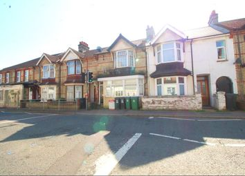 Thumbnail 1 bed flat to rent in Leavesden Road, Watford