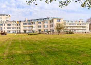 2 bed property for sale in Headlands, Hayes Point, Penarth CF64