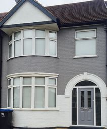 Thumbnail 5 bed shared accommodation to rent in Southbury Road, Enfield
