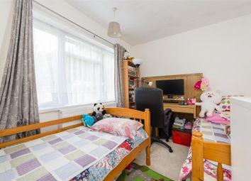 Merrywood Park, Reigate RH2. 2 bed maisonette for sale
