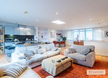 3 bed flat for sale in Islington Gates, Fleet Street, Birmingham B3