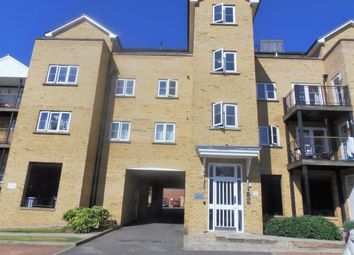 Thumbnail 1 bed flat to rent in Clarendon Way, Colchester