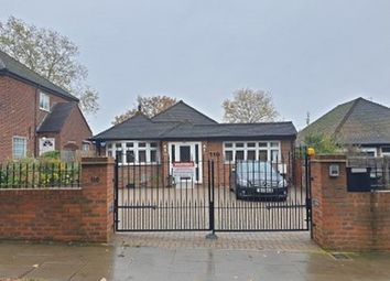 Thumbnail 4 bed bungalow to rent in Waterfall Road, London