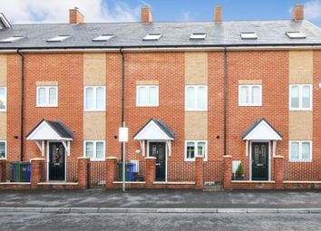 3 bed terraced house for sale in Queens Road, Hampshire GU14