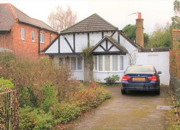 Thumbnail 3 bed bungalow to rent in Bath Road, Taplow, Maidenhead