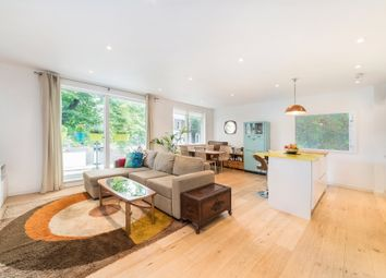 Thumbnail 2 bed flat for sale in Elmington Road, London