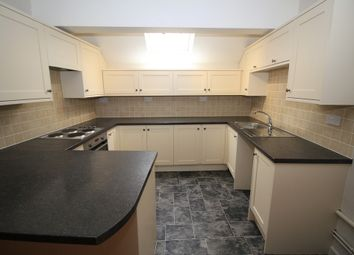 Thumbnail 2 bed flat to rent in North Street, Havant