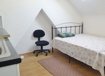 Room to rent in Hurley Road, Greenford UB6