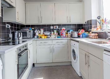 Thumbnail 3 bed flat to rent in Caledonian Road, London