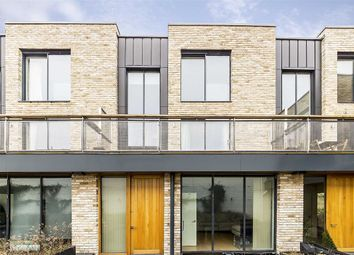 Thumbnail 2 bed property for sale in Clapham Court Terrace, Kings Avenue, London