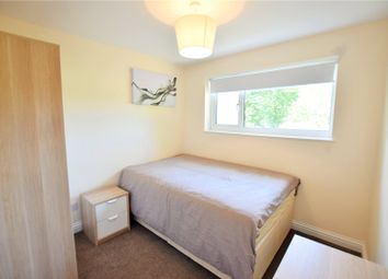 Thumbnail Room to rent in Wroxham, Bracknell, Berkshire