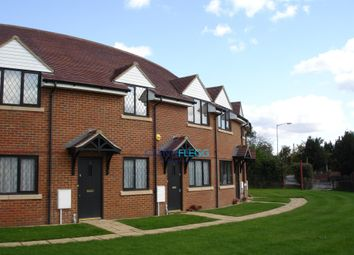 2 bed maisonette to rent in St. Marys Road, Langley, Slough SL3