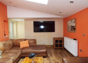 Room to rent in Woodside Place, Cannock WS11