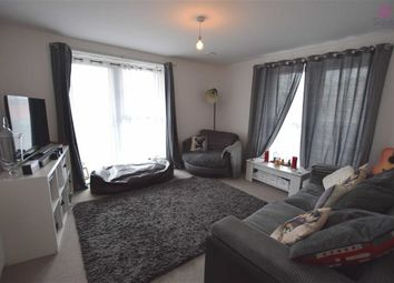 Thumbnail 2 bed flat to rent in Manor Way, Borehamwood, Hertfordshire