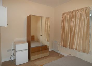 Room to rent in Grove Road, Hounslow TW3