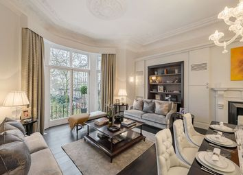 Thumbnail 2 bed flat to rent in Ennismore Gardens, London