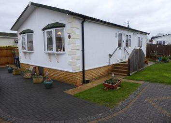 Thumbnail 2 bed mobile/park home for sale in Sunset Drive, Dodwell Park, Evesham Road, Stratford Upon Avon