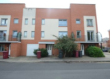 Thumbnail 4 bedroom town house to rent in Curzon Street, Reading
