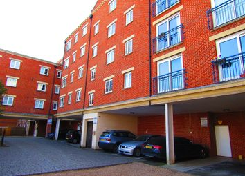 Thumbnail 2 bed flat to rent in Vale Farm Road, Horsell, Woking