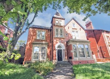 Thumbnail 4 bed flat to rent in All Bills Included, Clarendon Road, Leeds
