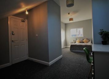 6 bed shared accommodation to rent in Sweetbriar Road, Leicester LE3