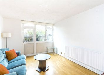 2 Bedrooms Flat to rent in Solander Gardens, London E1