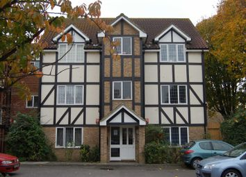 Thumbnail 1 bed flat to rent in Lulworth Crescent, Mitcham