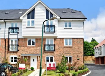 Thumbnail 1 bed flat to rent in Tilling Close, Maidstone