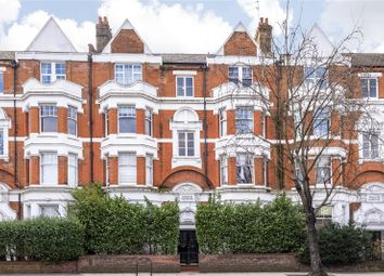 Askew Mansions, London W12. 3 bed flat