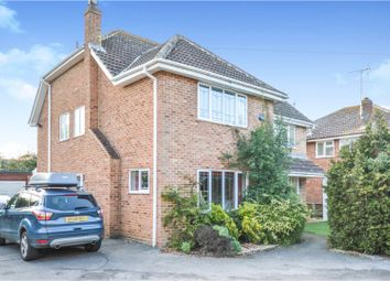 5 bed detached house for sale in Manor Close, Billericay CM11