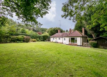 Thumbnail Cottage for sale in Wallage Lane, Rowfant, Crawley