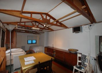 Thumbnail Property to rent in Broadhurst Gardens, London
