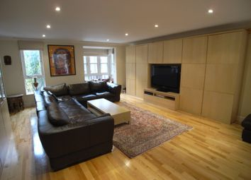 Thumbnail 4 bed town house to rent in Windsor Way, West Kensington