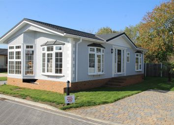 Thumbnail 2 bed mobile/park home for sale in Heywood Gardens, Bray, Maidenhead