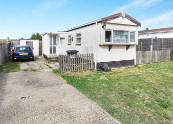 Thumbnail 1 bedroom mobile/park home for sale in Howitts Lane, Eynesbury, St. Neots