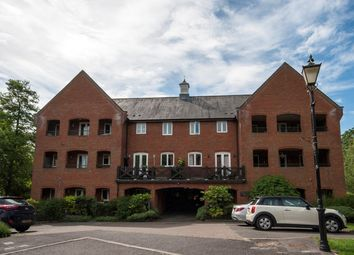 Thumbnail 2 bed flat for sale in Silk Lane, Reading