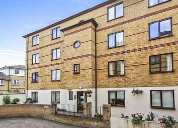 2 bed flat to rent in Rotherhithe Street, Rotherhithe, London SE16