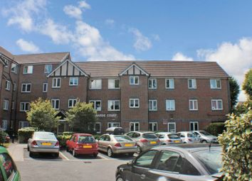 Thumbnail 2 bedroom flat for sale in Howards Court, Westcliff-On-Sea