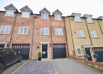 Thumbnail 3 bed town house for sale in Ecklands Croft, Millhouse Green