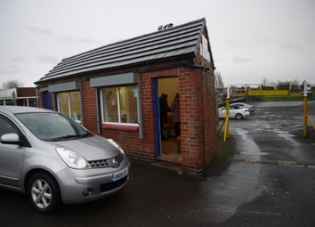 Thumbnail Commercial property for sale in Vacant Unit DN7, Dunscroft, South Yorkshire