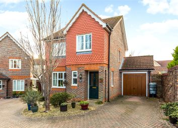 Thumbnail 3 bed detached house for sale in Claremont Crescent, Newbury, Berkshire