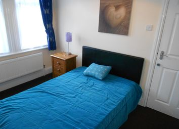 Thumbnail Room to rent in Crofton Road, Yeovil