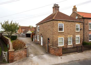 Thumbnail 3 bedroom detached house to rent in Kelfield Road, Riccall, York